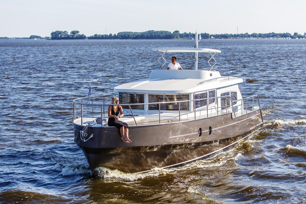 яхта Aquanaut Andante 438 OC