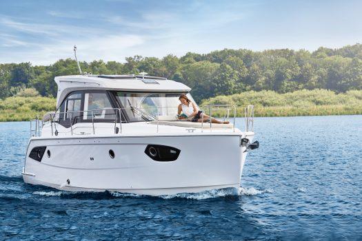 яхта Bavaria E34